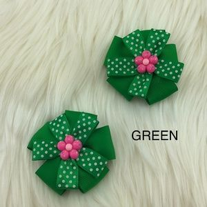 Other - NWOT Green Hair Bow Clip